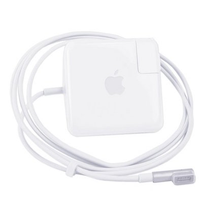 Free guide for right MacBook Pro Charger, Quick Delivery 050